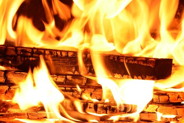 Surviving in the Cold: Starting a Fire in Wet Conditions