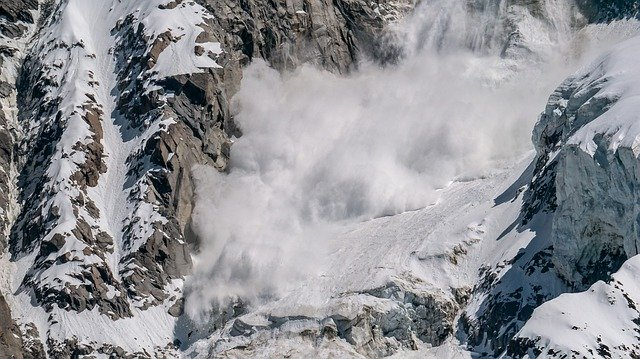 How to Survive an Avalanche: Escape Certain Death